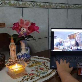 Grupo de Jovens da paróquia N.S. de Fátima faz encontro pelas redes sociais