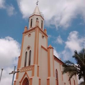 Igreja de Itaiópolis volta a se comunicar com os fiéis usando sino na torre da Matriz