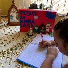 Paróquia cria grupo no Facebook para compartilhar materiais da catequese