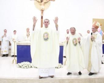 Padre Osvaldir Ribeiro Mendes
