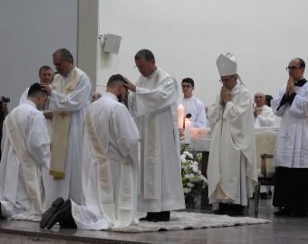 Ordenação Presbiteral diáconos André e Eliton