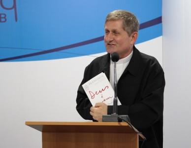 """56ª AG - Dom Vilson Basso: """"Papa fez algo inédito ao colocar jovens no centro da atenção da Igreja"""""""