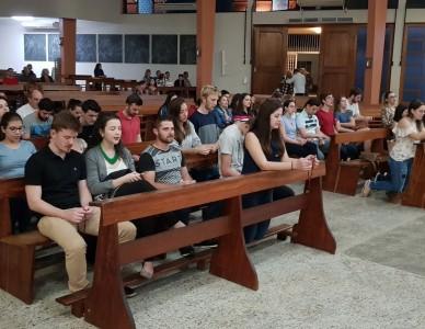 Paróquia Santo Antônio inicia Terço Jovem aos domingos