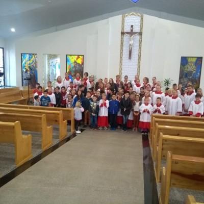 Crianças e jovens participam de retiro de carnaval da Paróquia N. S. da Medalha Milagrosa