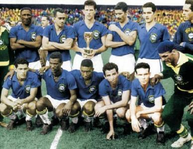 O que há em comum entre Nossa Senhora Aparecida e o uniforme azul da seleção brasileira?