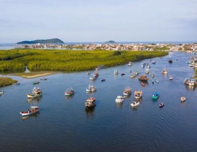 Barqueata em homenagem a São Pedro, padroeiro de Barra do Sul
