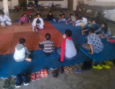 Escola de karatê na Paróquia São Miguel Arcanjo