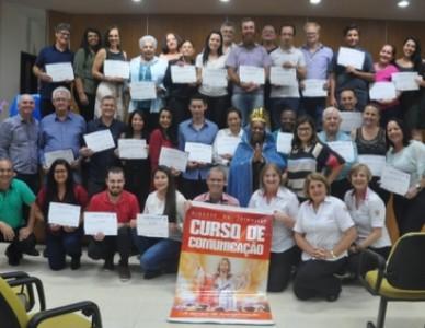 34 alunos recebem diploma da Escola Diocesana de Comunicação