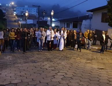 Fiéis de Itaiópolis participam de Caminhada Penitencial