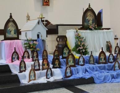 Louvor e gratidão no Encontro Diocesano Mãe Peregrina