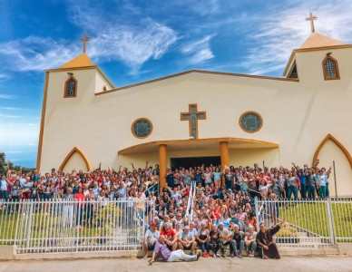 Mais de 300 lideranças participam de retiro na paróquia São Francisco de Assis, no Adhemar Garcia