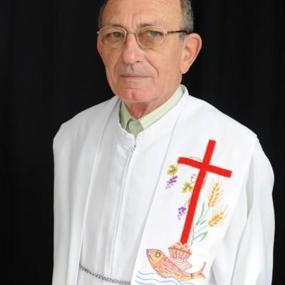 Padre Luiz Bazzanella comemora 50 anos de sacerdócio