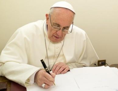 Papa Francisco envia cartas para familiares das vítimas de tragédia em Saudades