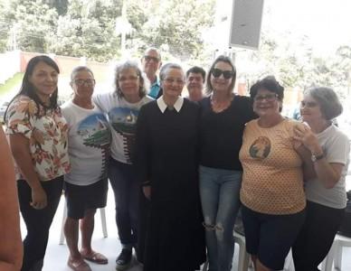 Paróquia N.S. Medianeira participa de encontro do Movimento Mãe Peregrina em Biguaçú