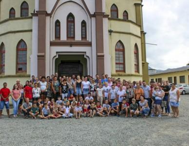 Paróquia Sagrado Coração de Jesus de Massaranduba realiza catequese familiar
